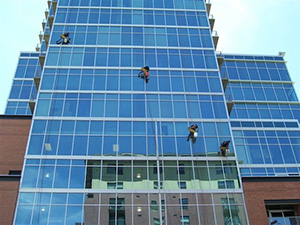 pranje-zavjesa-prozora-na-visinama